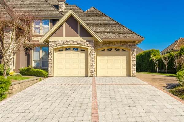 Garage Doors in East Mansfield Massachusetts