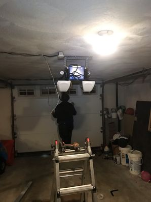 Emergency Garage Door Repair in Warwick, RI (1)
